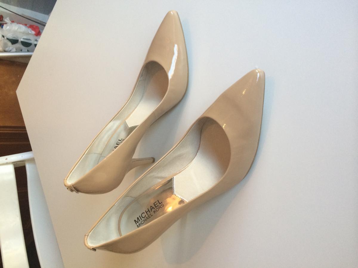 9055919c Hva slags farge på strømpebukse og sko til gullkjole? - Anonymforum ...